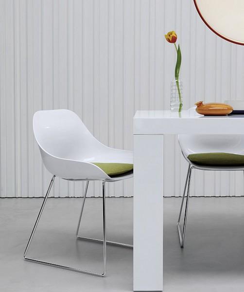 Arredamenti milani sedie design moderne for Design sedie moderne