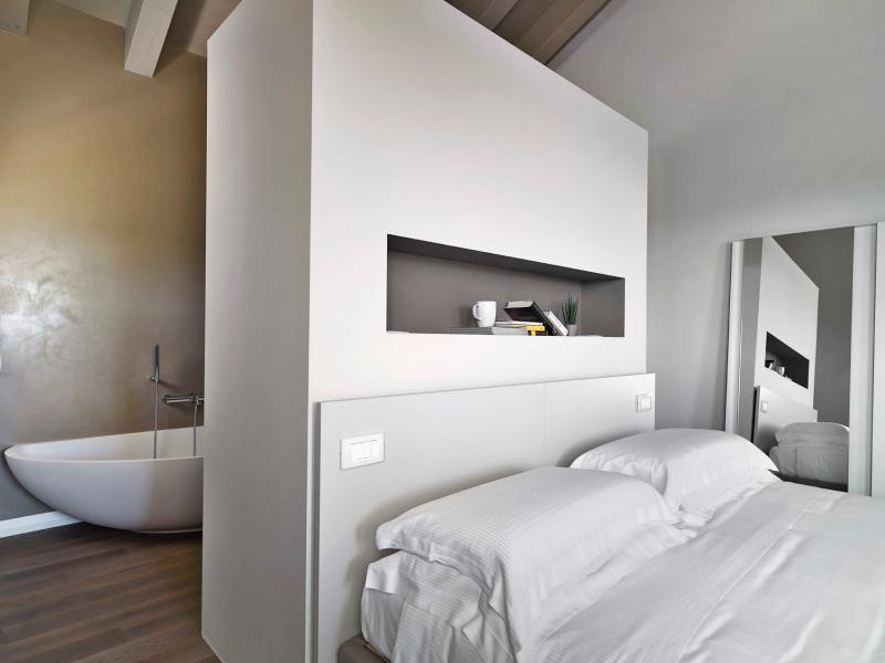 Dimensioni minime camera da letto matrimoniale con cabina armadio idee creative di interni e - Camera da letto con cabina armadio e bagno ...