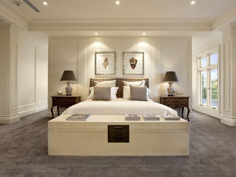Arredamenti milani camera da letto classica - Camera da letto con letto in ferro battuto ...